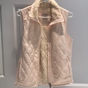 Cream vest with fuzzy inside